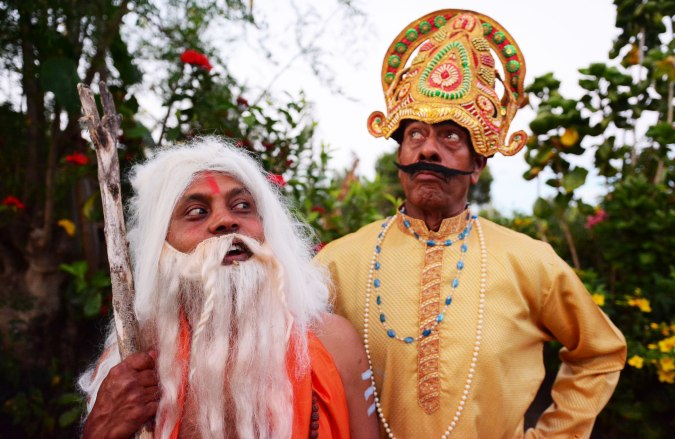 Andher Nagri Chawpat Raja